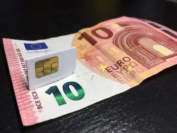 Bildliche Darstellung vom Handyvertrag unter 10€
